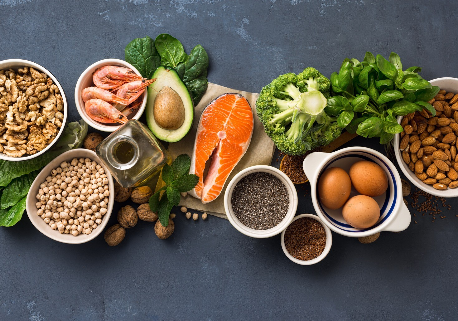Uvrstite u ishranu deteta namirnice bogate Omega 3, kao što su losos i orašasti plodovi.