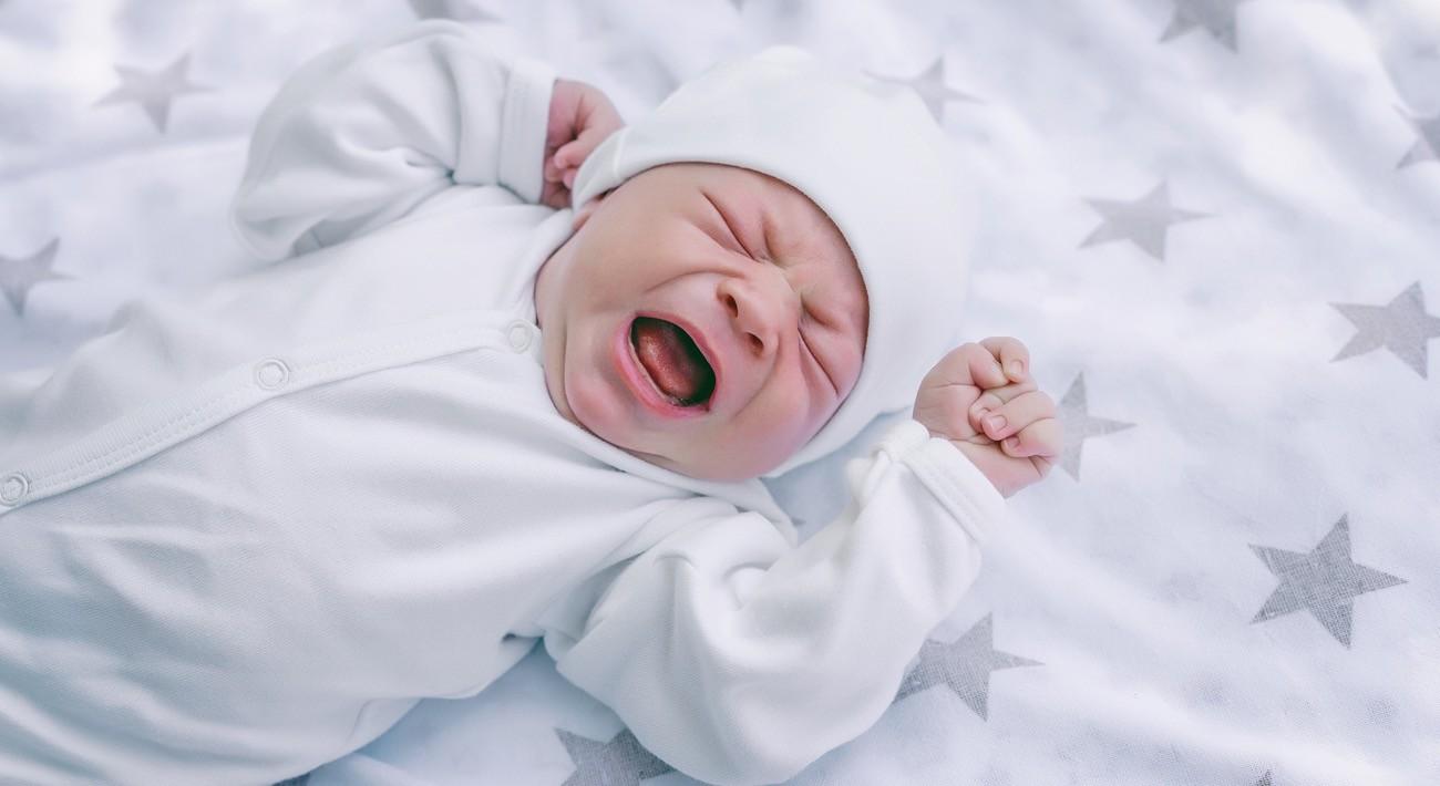 Da li je ova beba gladna ili ima grčeve?